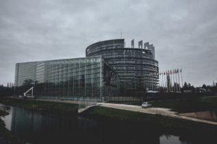 Technologia na rzecz ludzi i szybki internet dla każdego - Europejska strategia cyfrowa 18