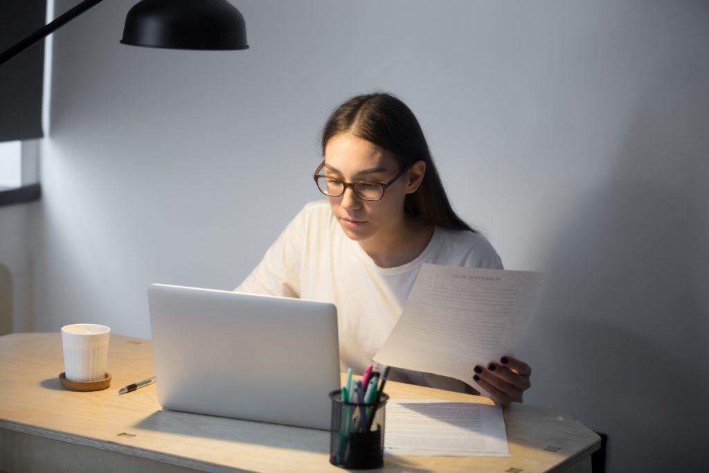 Kurs online, samokształcenie w domu