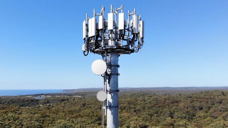 """""""Inni dużo mówią, my dużo robimy"""" - Plus o postępach budowy sieci 5G w Polsce"""
