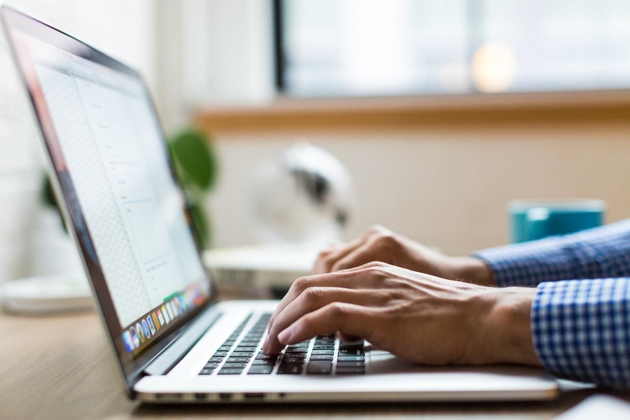 Microsoft Word nada stylu Twojej twórczości. Sztuczna inteligencja pomoże