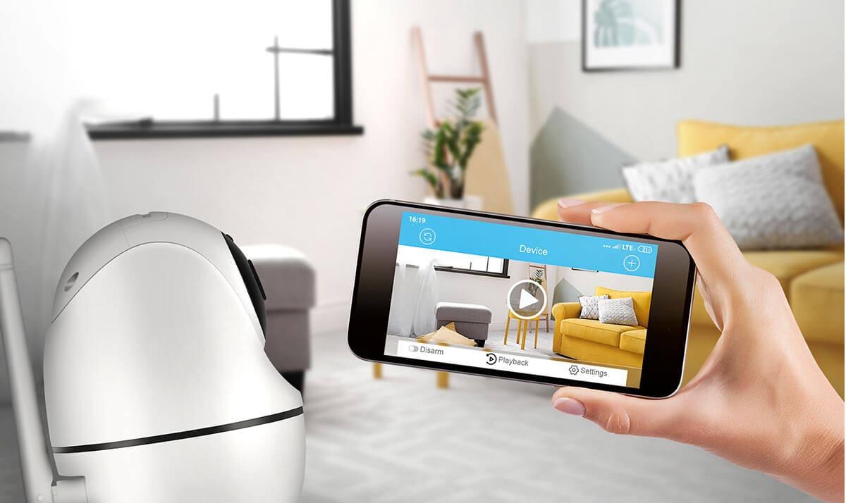 Kamera Xblitz IP300 łączy się bezprzewodowo z aplikacją