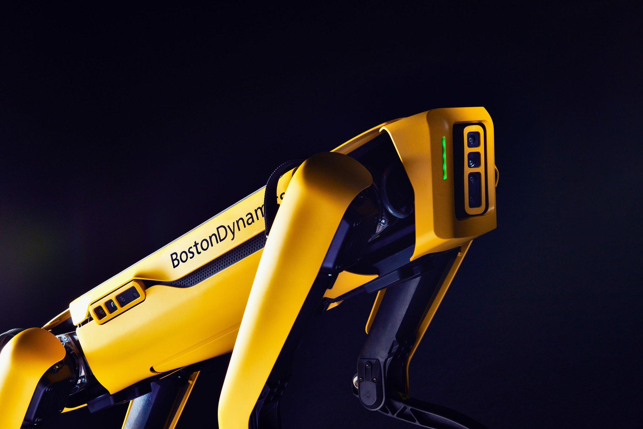 Robot Spot otrzymał nowe ramię i sporo umiejętności