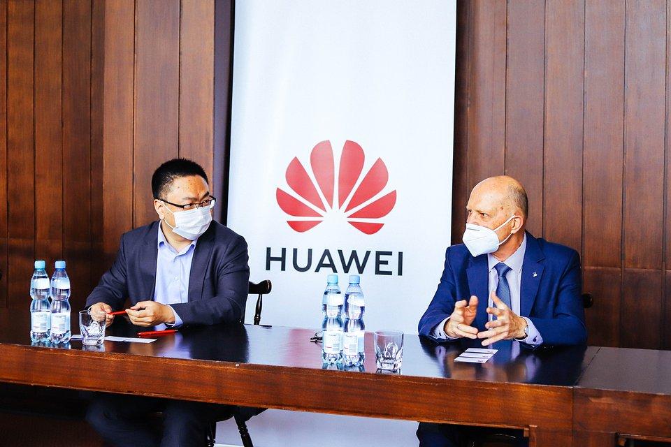 Huawei i Politechnika Warszawska podjęły współpracę w zakresie Sztucznej Inteligencji 8