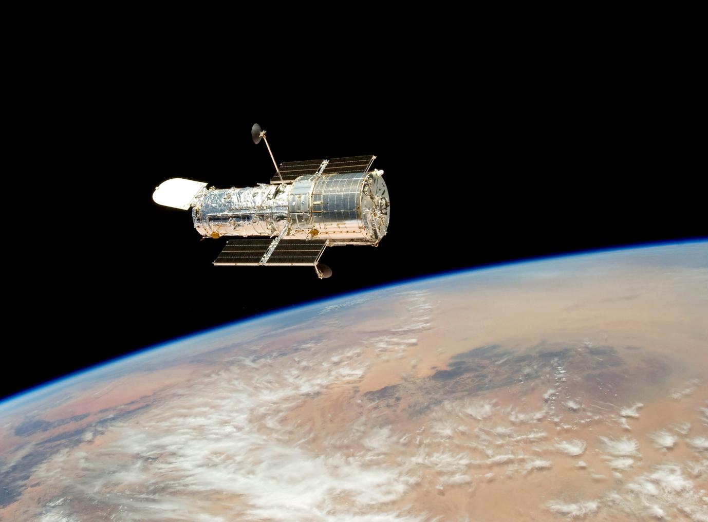 Teleskop Hubble'a złapał śmierć gwiazd w mgławicach 6