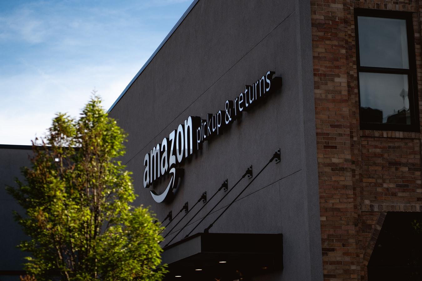 Amazon wprowadza płatność za pomocą dłoni