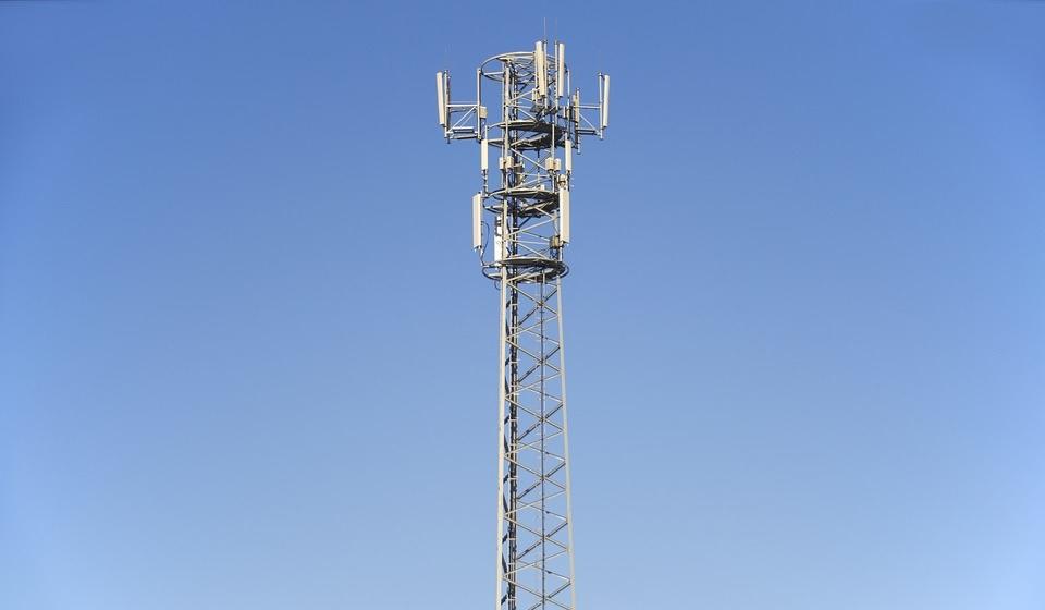 Rozdysponowanie pasm częstotliwości dla sieci 5G w Polsce zostało przesunięte