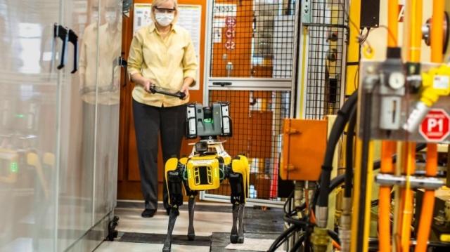 Ford użyje robotów od Boston Dynamics w fabrykach