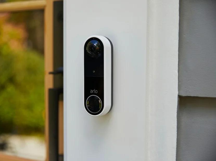 Bezprzewodowy dzwonek do drzwi Arlo ze 180-stopniową kamerą