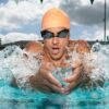 Form Smart Swim Goggles niewiele się różnią od zwykłych gogli