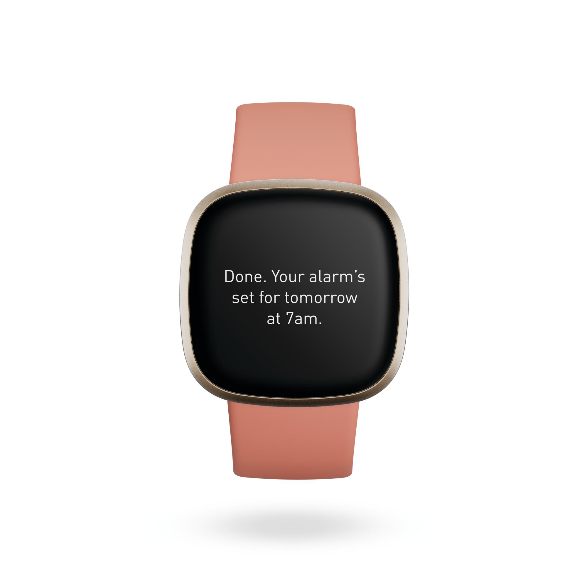 Dotychczas jedynym dostępnym asystentem głosowym w Fitbit Versa 3 oraz Sense była Alexa (fot. Fitbit)