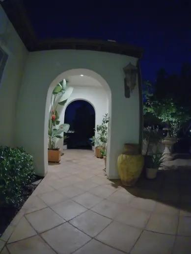 Dzwonek do drzwi Logitech Circle View - tryb nocny