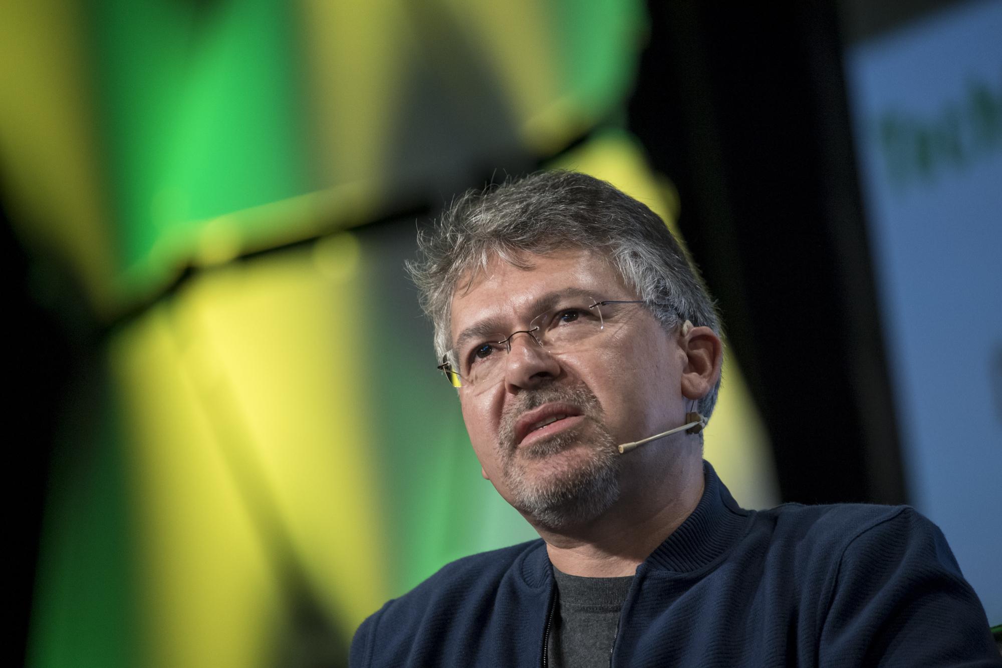 John Giannandrea przejmuje obowiązki szefa projektu dot. autonomicznego pojazdu Apple (fot. Bloomberg)