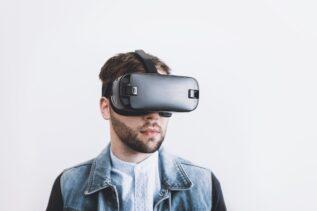Apple pracuje nad własnym headsetem VR. Może zadebiutować już w przyszłym roku