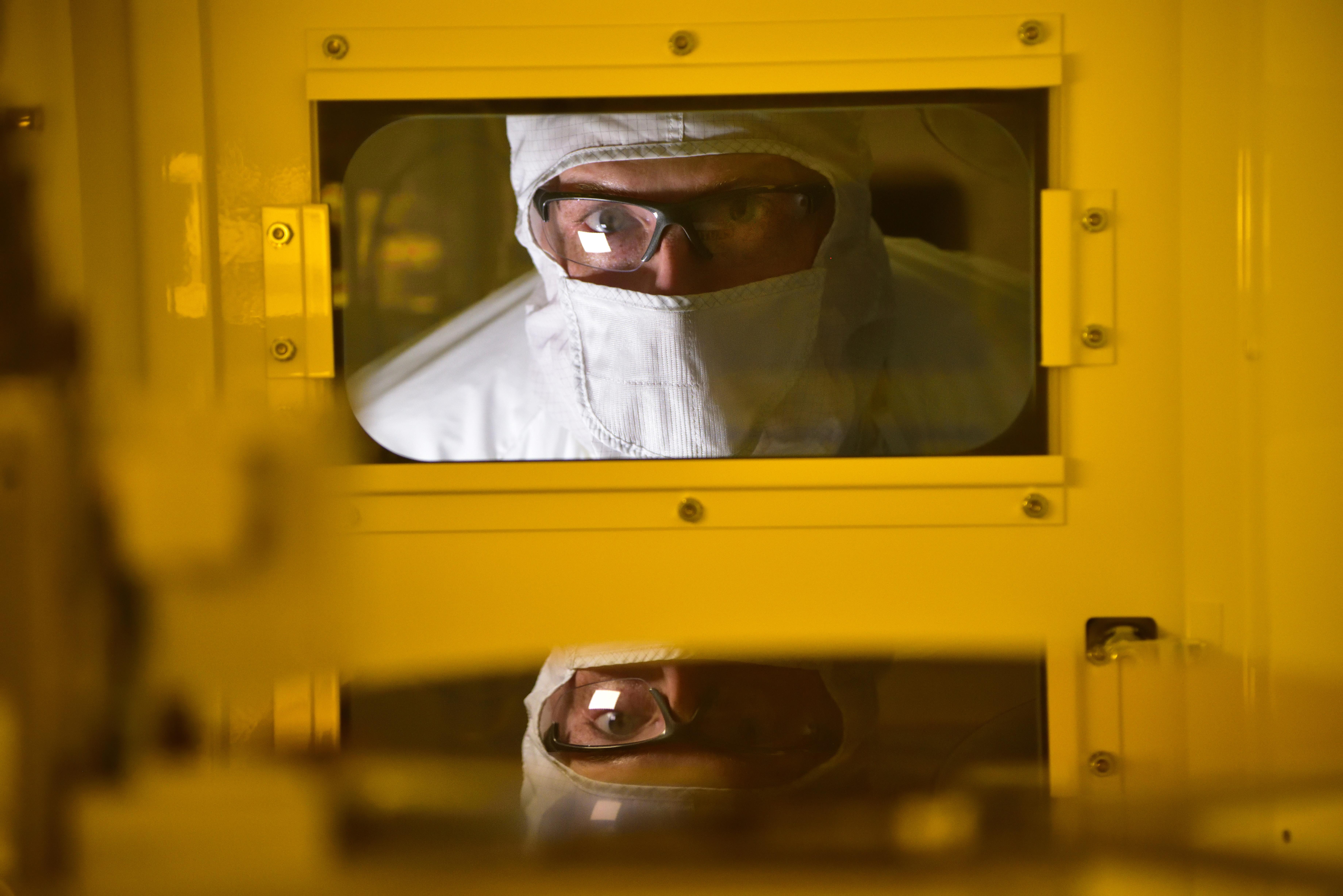 Odpowiedź Intela na braki układów scalonych: potężne fabryki, w ofercie ARM i RISC-V