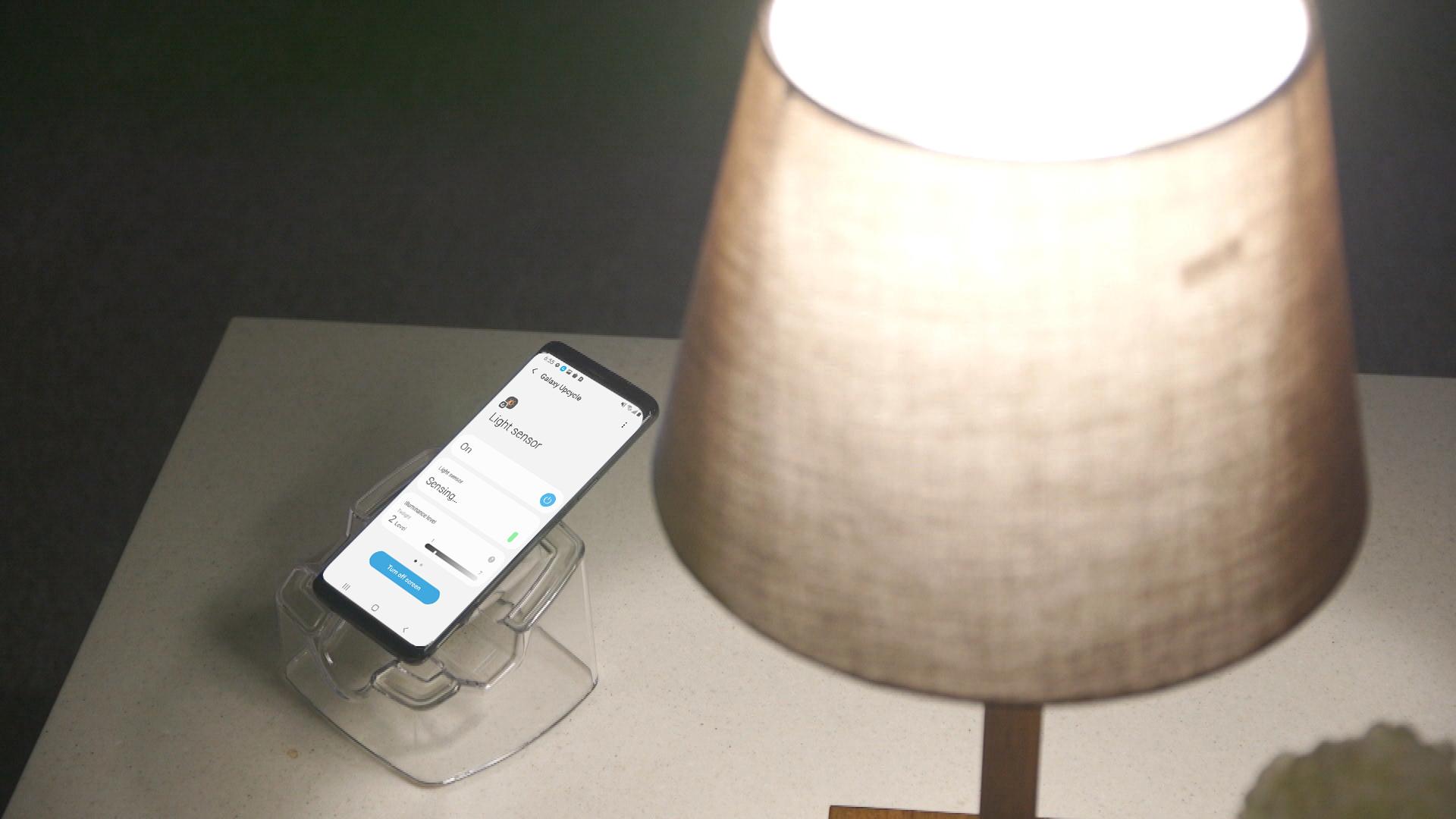 Co zrobić ze starym smartfonem Samsung? Można go zmienić w czujnik smart home!