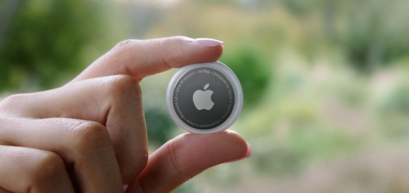 Obrazek przedstawia lokalizator Apple AirTag.