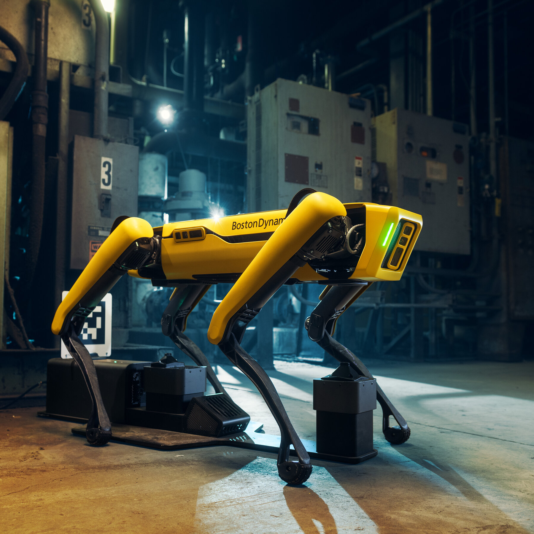 Obrazek przedstawia Spota, robota produkcji firmy Boston Dynamics