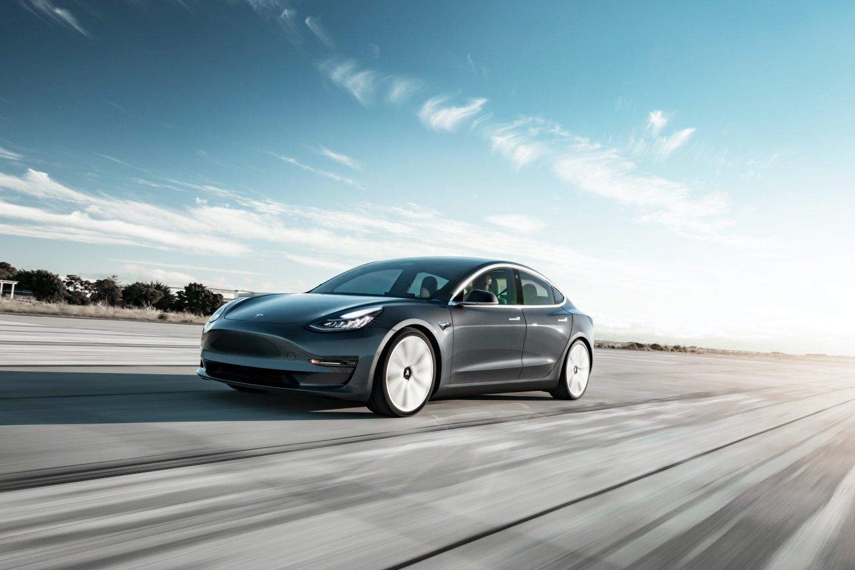 Tesla wprowadza subskrypcję na pakiet Full Self-Driving. Poznaliśmy ceny