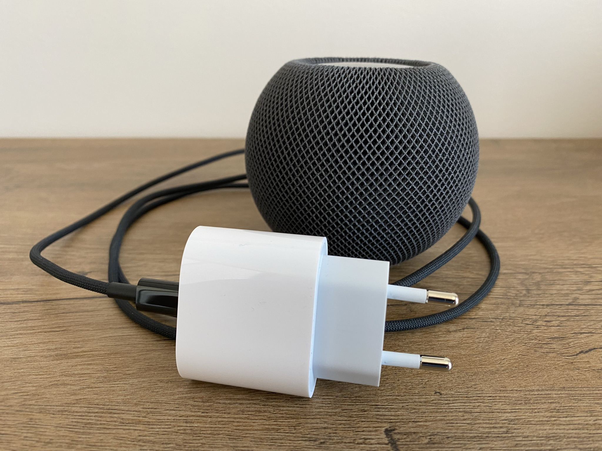 Apple HomePod Mini fot. oiot.pl