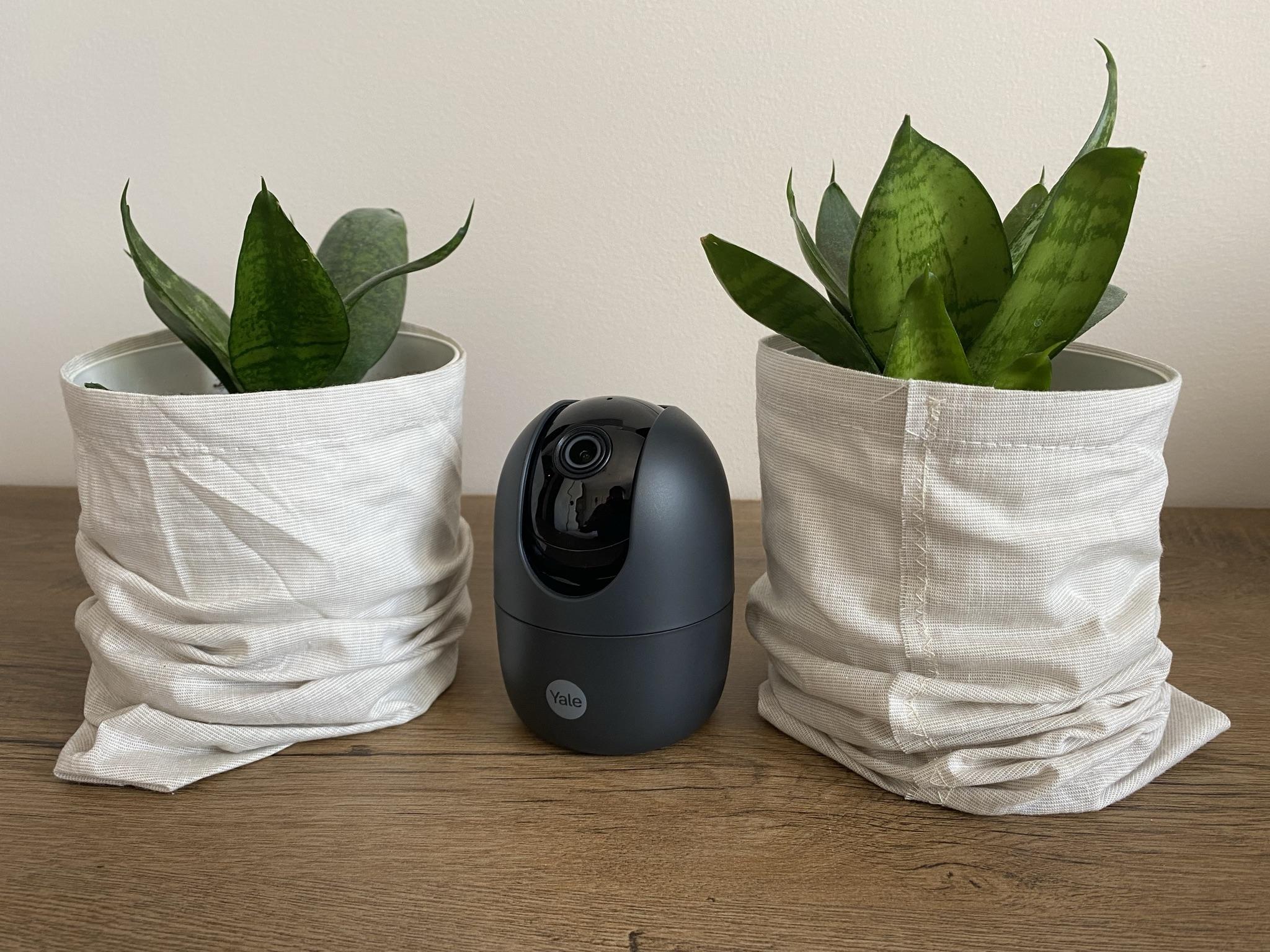 Yale Indoor WiFi Camera Pan & Tilt - wszystkomająca kamera do monitoringu domu (recenzja)