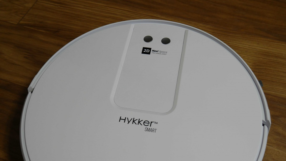 Hykker Navi Space z funkcją mopowania / fot. Kacper Żarski (oiot.pl)