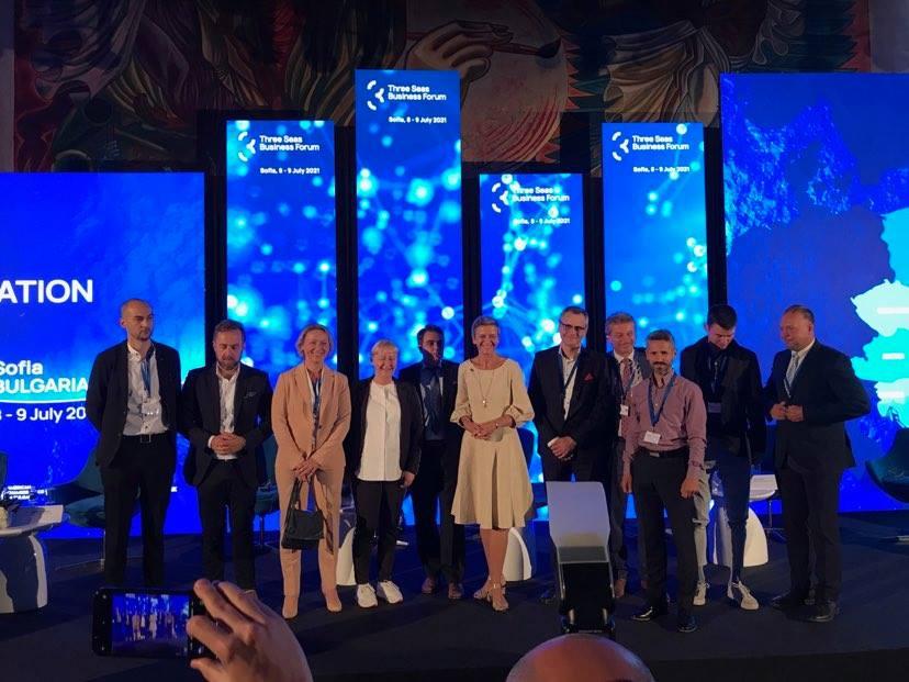 IS-Wireless: 5G to szansa dla państw Trójmorza