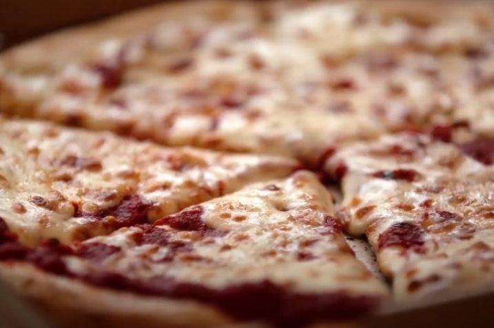 Bajka o robokucharzu serwującym pizzę to już nie bajka. Wystarczy pojechać do Paryża