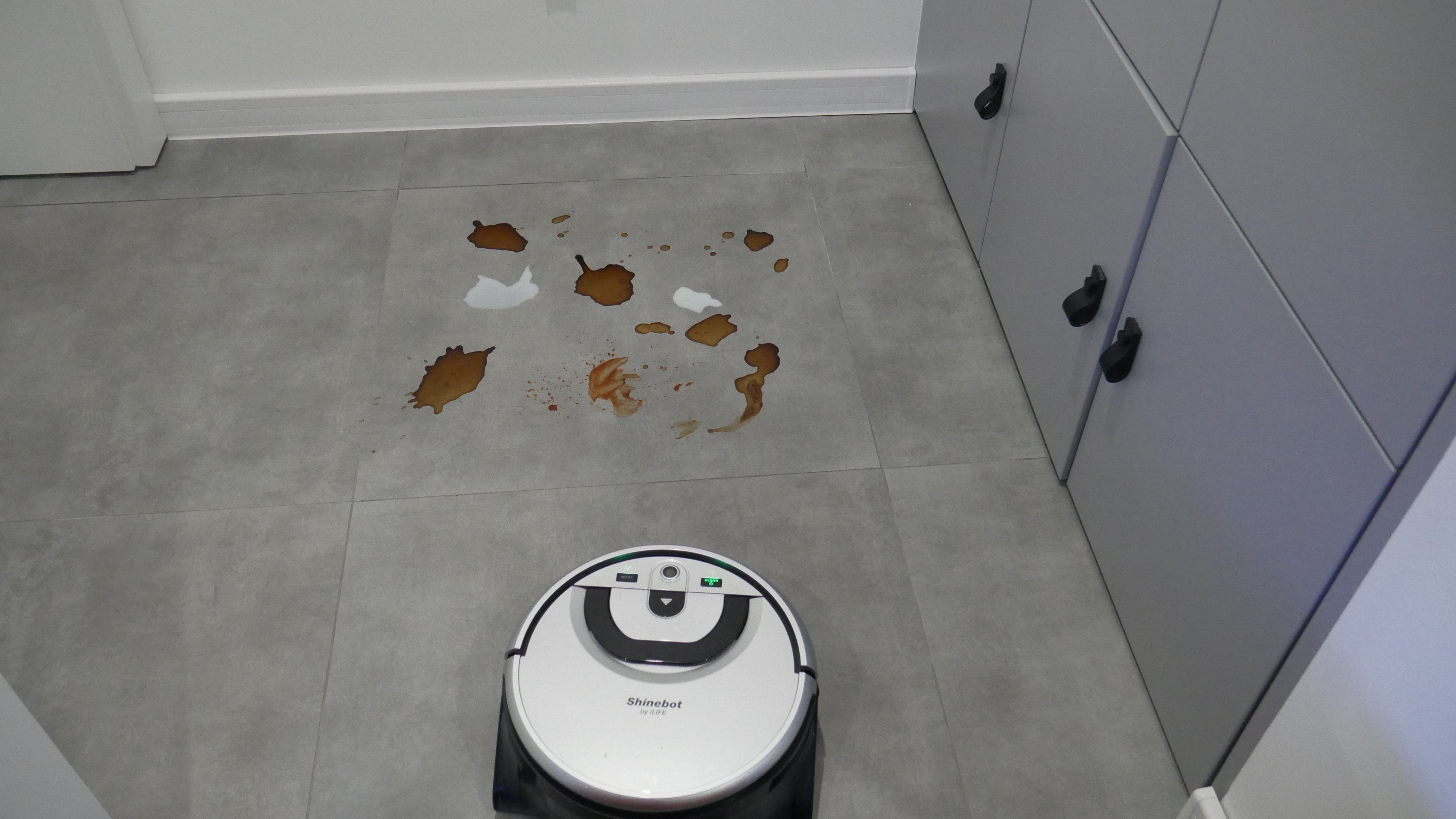 Recenzja ILIFE Shinebot W455. To robot stworzony do mopowania!