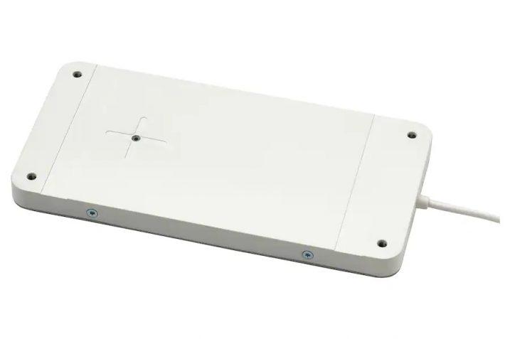 SJÖMÄRKE od IKEA, czyli jak zmienić każde biurko w ładowarkę bezprzewodową